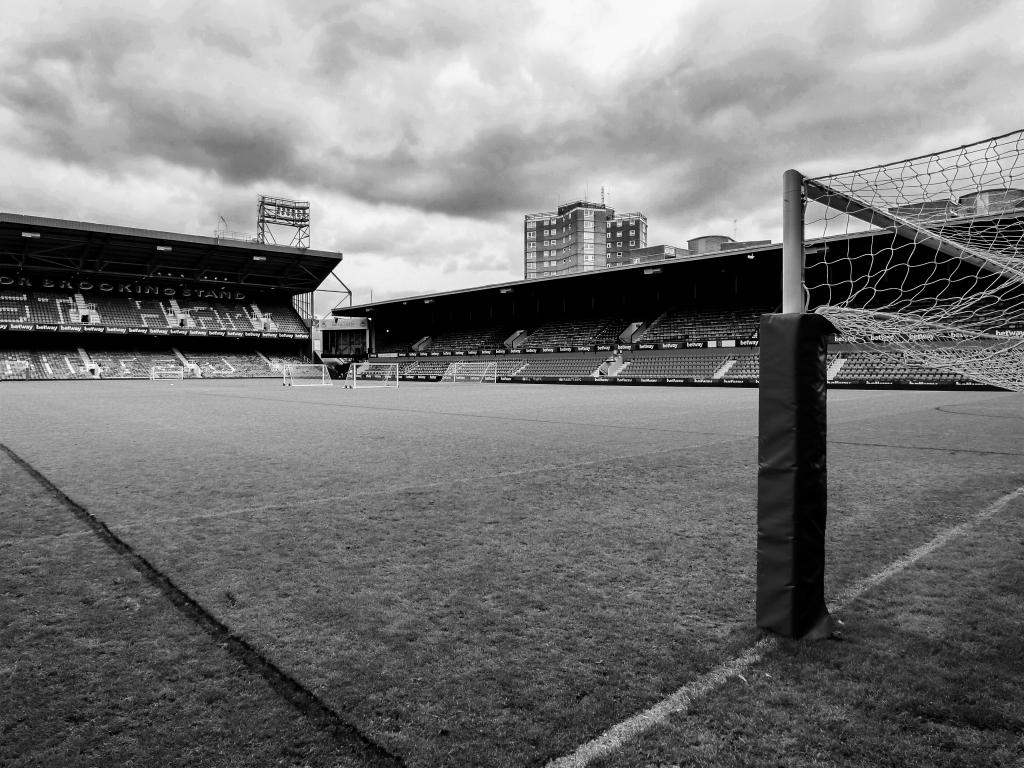 Boleyn Ground, pitch side